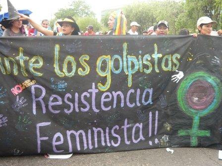 Femministe in resistenza contro il golpe