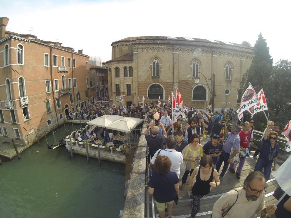 Campi e calli piene di gente la venezia ambientalista for Gente settimanale sito