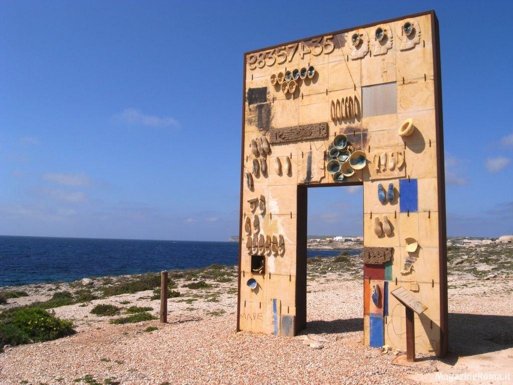 Carta di lampedusa porta aperta sul mondo global project - L encadrure de la porte ...