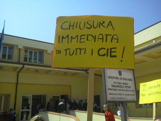 Bologna indietro non si torna no alla deportazione dei for Questura di bologna permesso di soggiorno