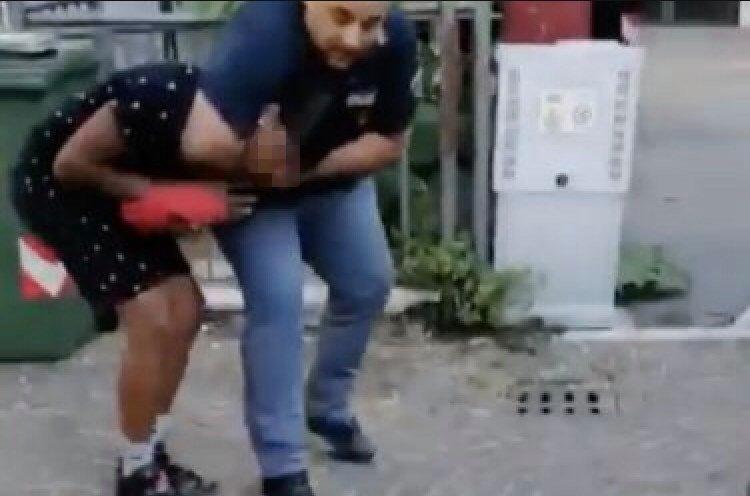 Vicenza, non mostra i documenti alla Polizia: ragazzo fermato con una presa al collo. Il video diventa un caso
