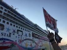 A Venezia «per mare e per terra» contro le Grandi Navi