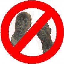 boicotta busto mussolini cesenatico