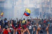 Ecuador - Lenín costretto alla resa abroga il paquetazo